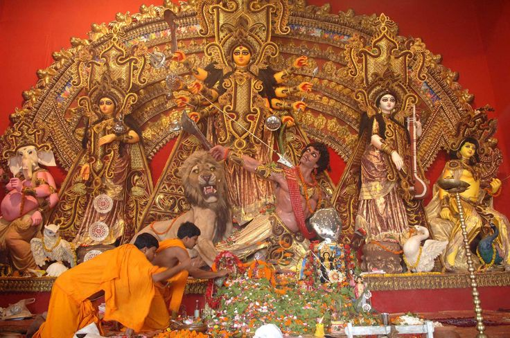 This 360° Video Of Kolkata's Durga Puja Pandals Will Make You Feel Like You're Right There