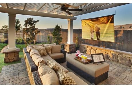 Sagewood at Blackstone by Standard Pacific Homes in El Dorado Hills, California like the set up