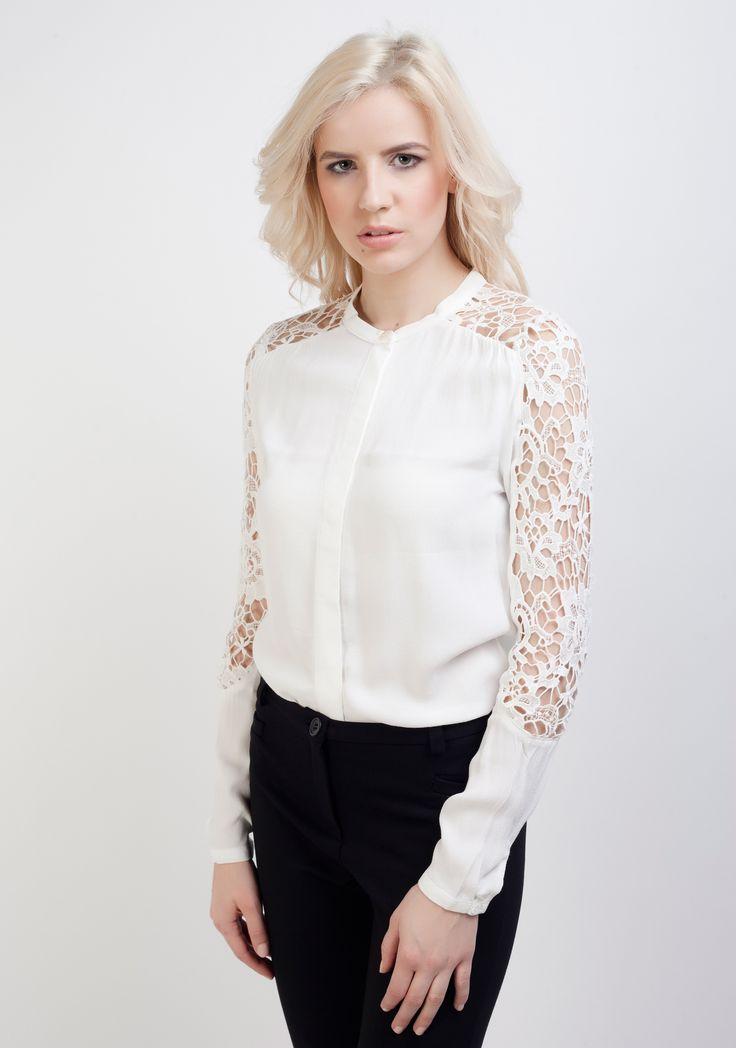 Vila, cămașă cu inserție de dantelă pe mâneci, albă
