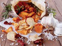 Gemüsechips sind eine gesunde Alternative zu fettigen Snacks (bei höherer Temperatur starten und zum Schluss langsam runterdrehen)