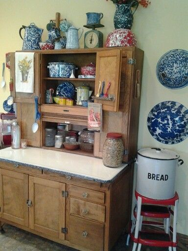 Best 25+ Hoosier cabinet ideas on Pinterest | Oak furniture house ...