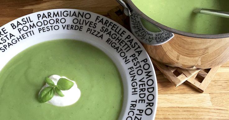 Vegetarisk brokkolisuppe med knas  -- Carrotstick.dk