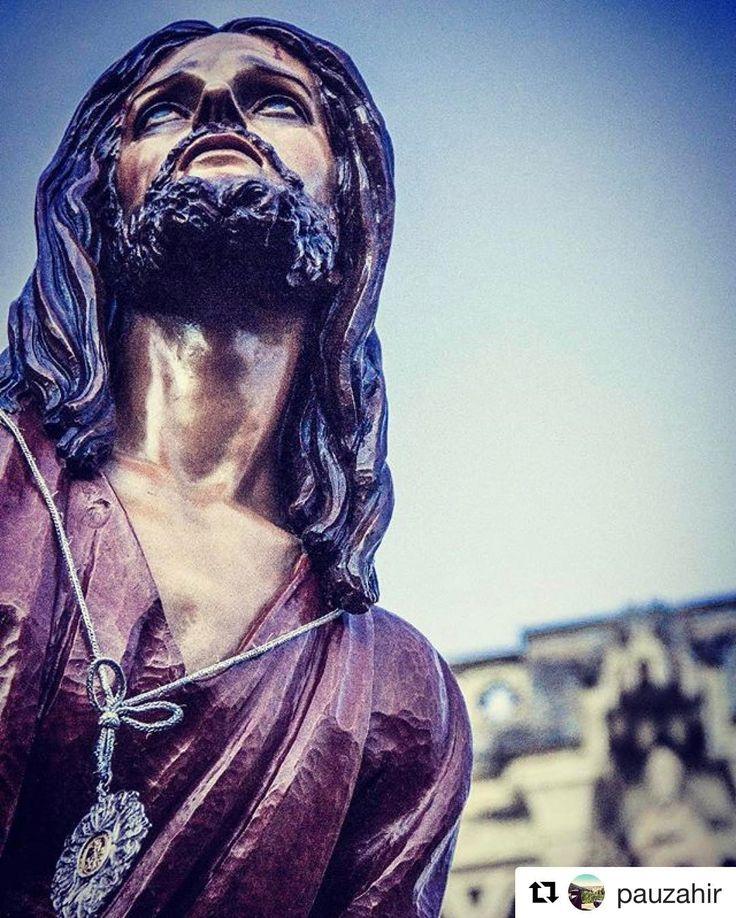 Imagen del Jueves Santo. Procesión de Paz y Caridad  @pauzahir