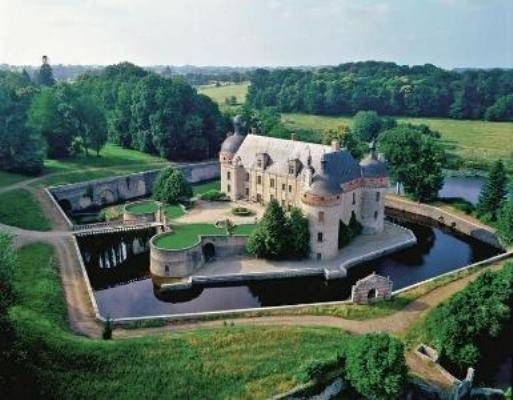 Stunning Historic Chateau fully restored (MD584288) -  #Castle for Sale in La Souterraine, Limousin, France - #LaSouterraine, #Limousin, #France. More Properties on www.mondinion.com.