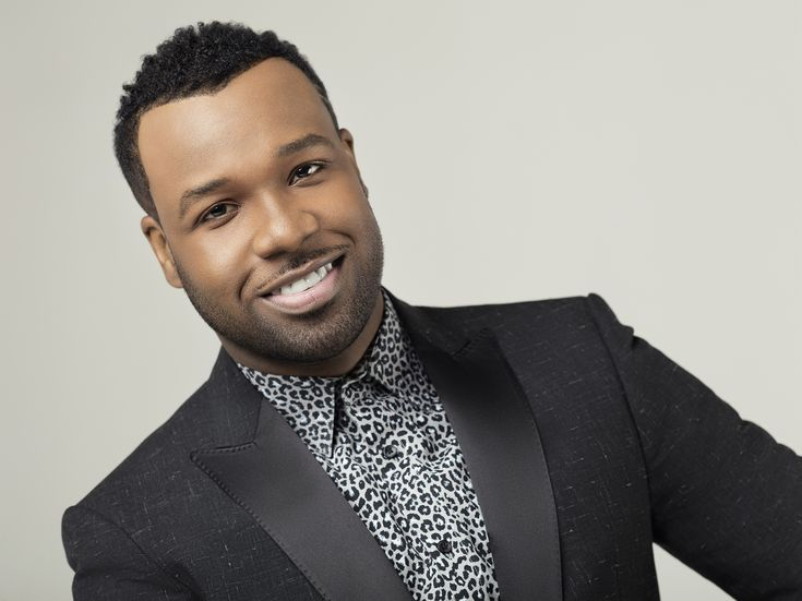 INTERVIEW 2014: VaShawn Mitchell shares his favorite past-times, the blessing of a signature song & the excitement for his first concept album. #gospelmusic #interviews #unstoppable #gospelartists