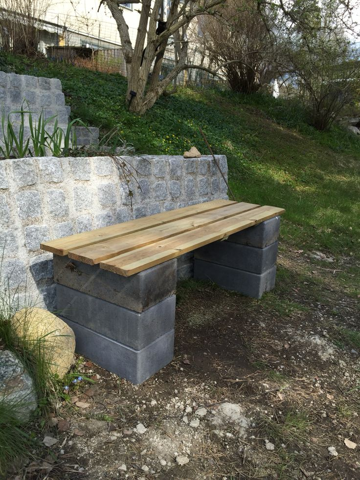 Simple bench. Perfect when having a glas of wine in the garden