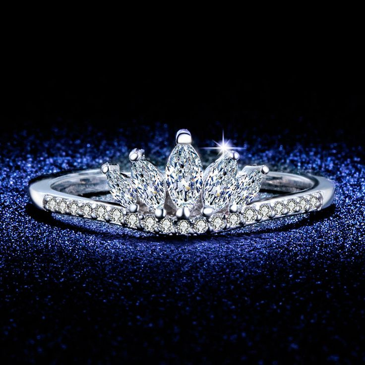New Elegant Queen's Silver Crown Rings For Women Punk Brand Fashion Princess Crystal Jewelry Female Ladies Rings Bijoux L433