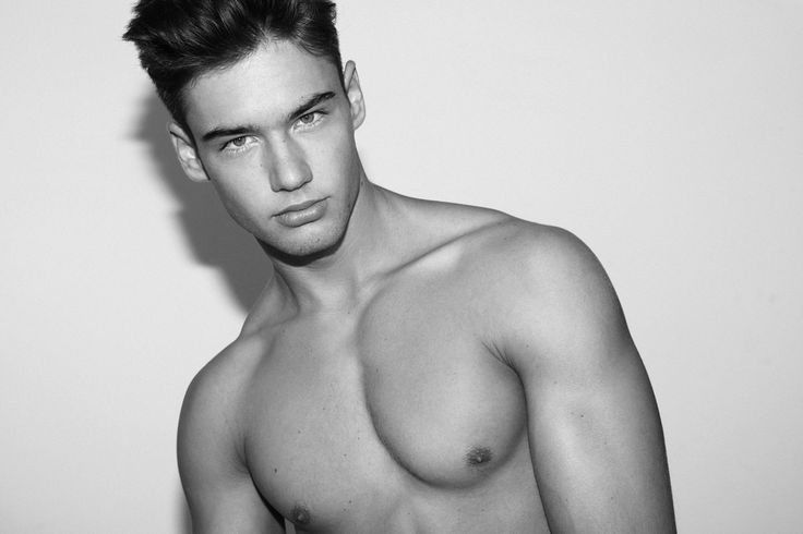 casting nude male models