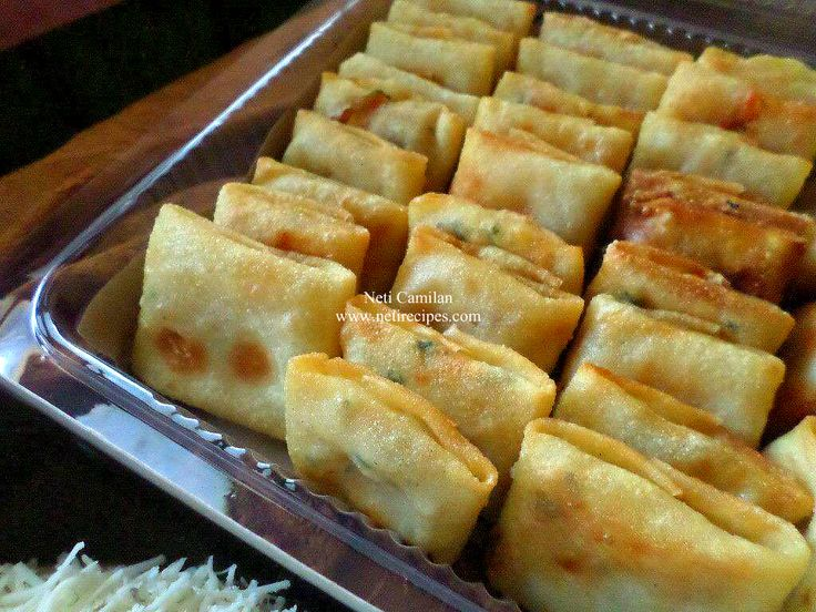 Vegetable spring roll, this is square type shape ^_^