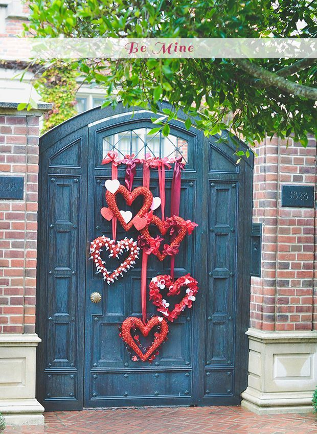 I love this for the front door. Maybe tie the ribbon to a branch?