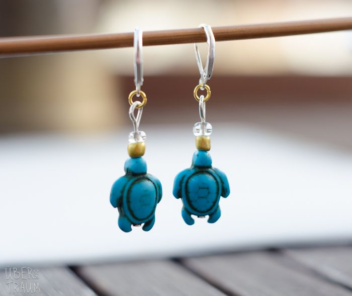 Turquoise Sea Turtle Crochet Stitch Markers - set of 2 - Über den Traum