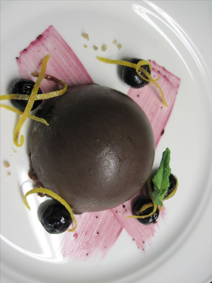 Dome Royal 2016 -  Blueberry Mousse, Blueberry Pate, Chocolate Glaze #Yum #Chefslife #foodporn #gourmet #Whatsfordessert #delicious #Instafood #pinsperation