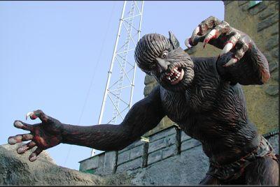 Geger, Video Penampakan Monster Mengerikan Merambat Diatas Gedung | Berita Terupdate