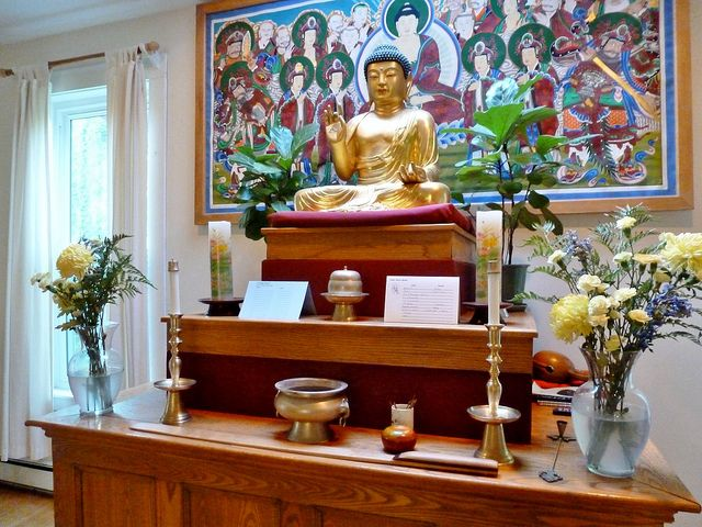 17 Best Images About Shrines And Altars On Pinterest: 9 Best Images About Buddha Altar On Pinterest