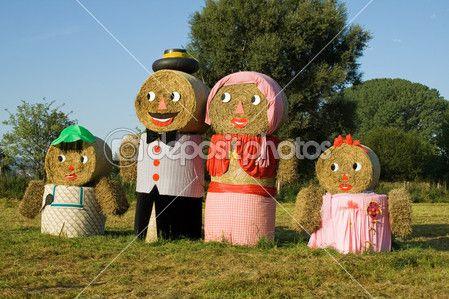 Čtyři postavy z balíků slámy — Stock obrázek #7589308