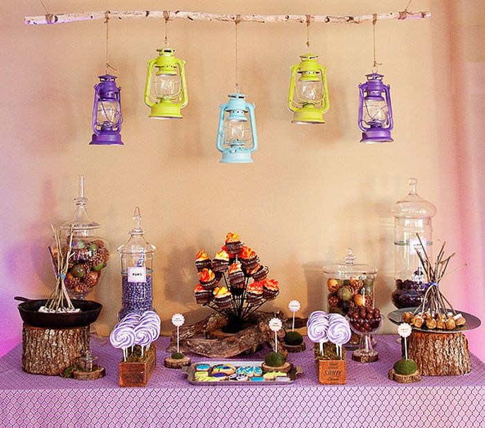 campfire: Party'S, Birthday Parties, Camping Parties, Parties Ideas, Camps Parties, Parties Theme, Camps Theme, Lanterns, Glamping Parties