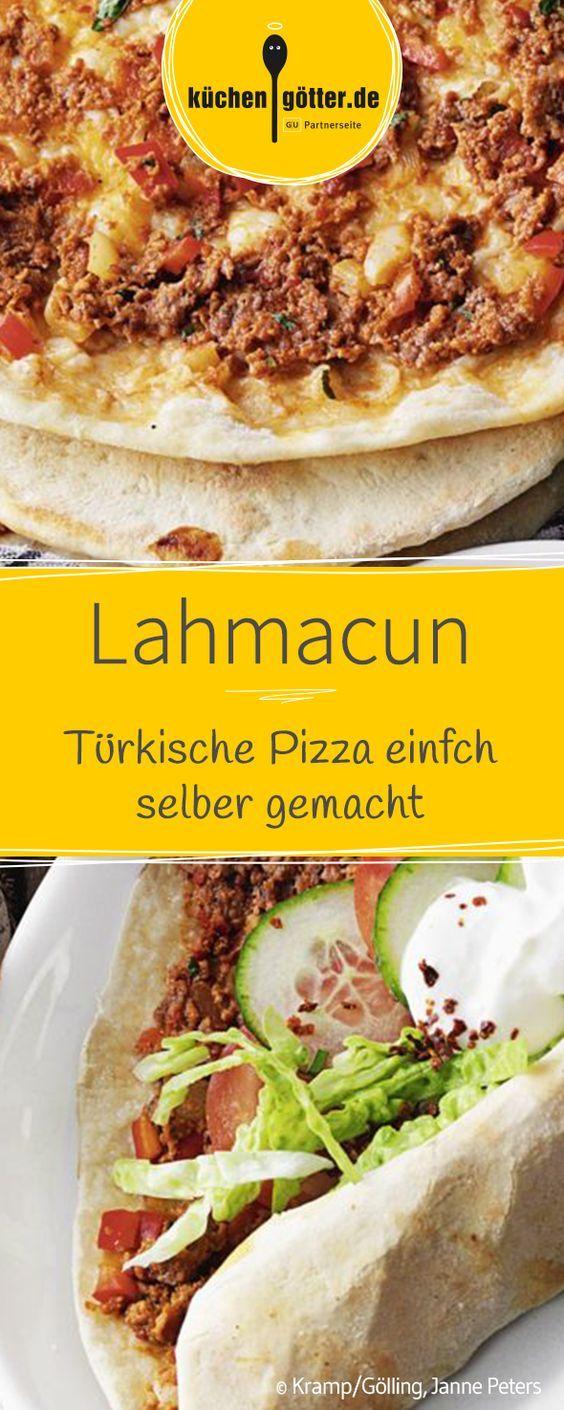 Gerollt, nicht geschnitten, und aus der Hand gegessen überzeugt die auch als Lahmacun bekannte Spezialität mit würzig-scharfem Hackbelag.