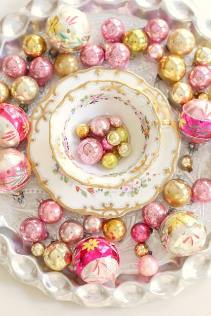 vintage glow - pink and gold vintage ornaments