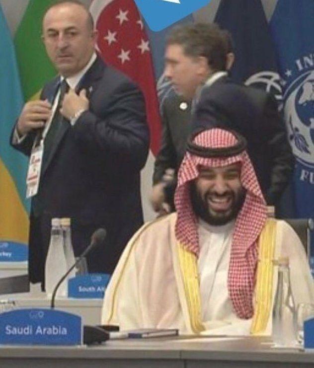 اضحك يابو سلمان ياجعل الفرح فالك يا قاهر اعداءك بقو عزومك و طهرك في قمةالعشرين كلن يبغي وصالك اما الردي هذا مكان Royal Prince Ksa Saudi Arabia Photo