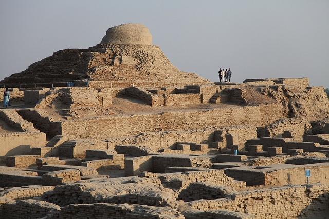 mesopotamia egypt and indus valley Bbc primary history - indus valley - trade and travel traders from another civilisation called mesopotamia made their homes in indus cities.