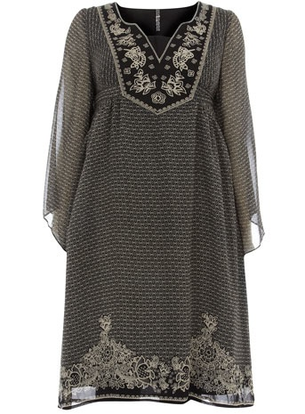 VANS EM not to be confused with the komodo (dragon). @Fran la VillaBROIDERED KIMONO DRESS Price: £49.5kimono.