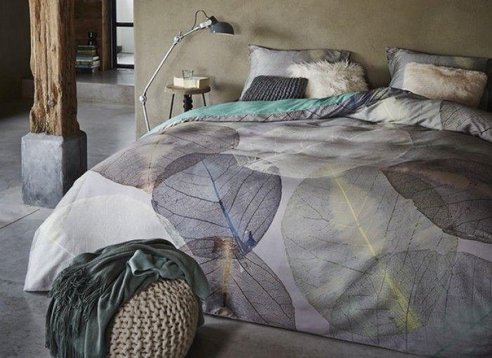 grijs, taupe kleurige bladeren op je bed, morpheus beddengoed