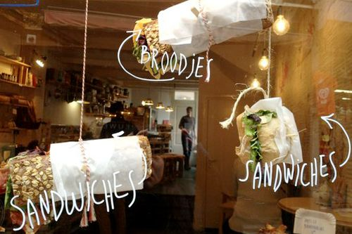 At de Laatste Kruimel (the last crumble) you can enjoy fresh dishes that are made with love.