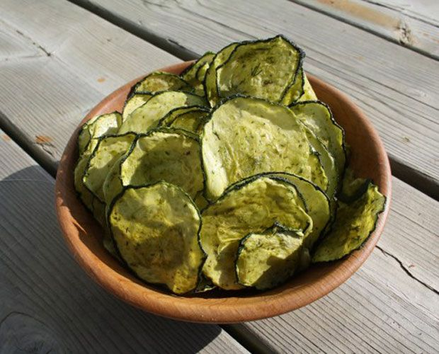 Chips de courgettes au citron et à l'aneth - Recette au déshydrateur