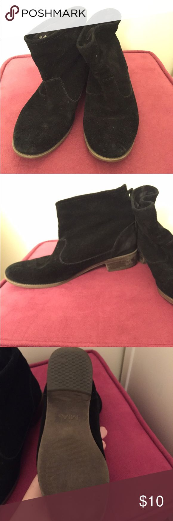 Black Leather Ankle Boots These MIA all leather upper boots are so comfortable, you'll want to life in them! They are slightly worn, but because they are leather it is not noticeable at all. I replaced the heels recently so the soles are like new! Offers are encouraged :) MIA Shoes Ankle Boots & Booties