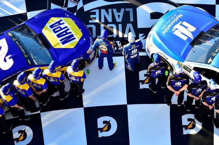 Here's where all 40 starters will line up for the Daytona 500 ﴾FOX, 2 p.m. ET﴿.    -             With the completion of Thursday night's Can-Am Dual 150 qualifying races at Daytona International Sp... - Provided by FOXSports