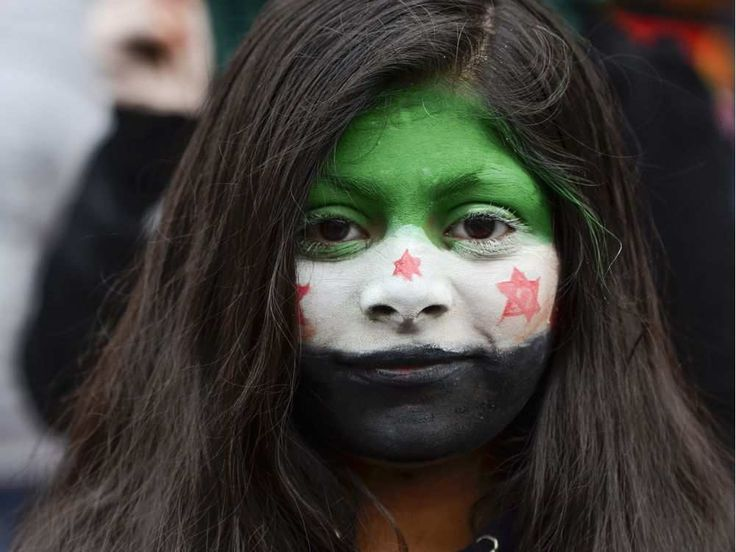 Over 60 people from the town of Reading, Berkshire, gathered in the precinct on Broad Street during the afternoon of Sunday 18 December 2016 to stand in solidarity with the people of Aleppo. The Syrian town of Aleppo continues to be subject to wave after wave of shelling and fighting, ...
