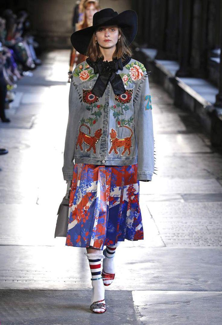 임벨리시드 데님 재킷 - Gucci |