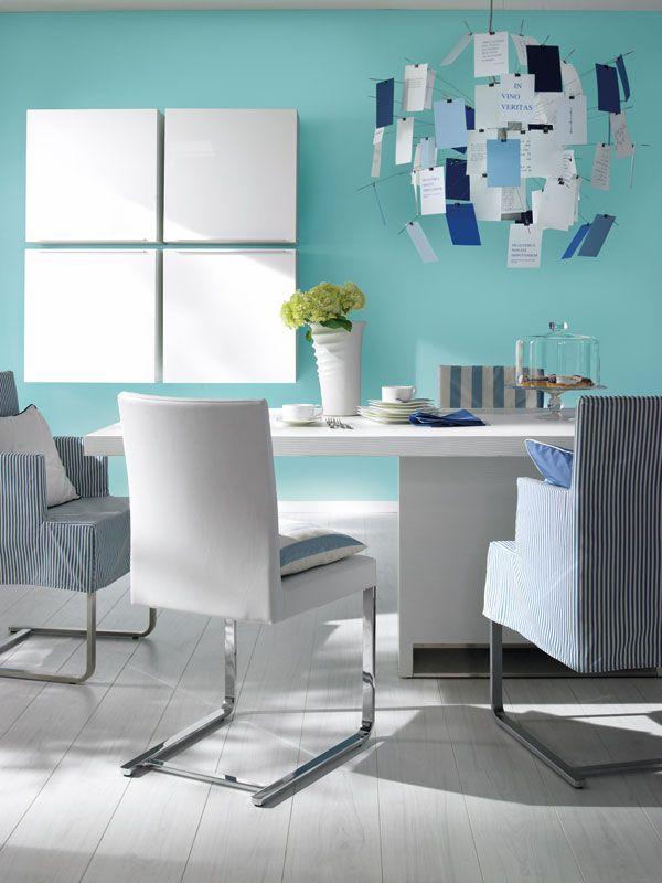 Wenn alle Zeichen auf Neustart stehen, passt Frozen dazu. Das frische Türkisgrün strahlt von den Wänden, offen, aufgeschlossen und enthusiastisch.