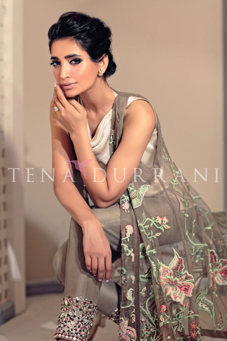 Maya Q101 Shop now www.tenadurrani.com/maya For queries, orders and appointments kindly email at info@tenadurrani.com or contact +92 321232 4600. Visit www.tenadurrani.com to view the whole collection.