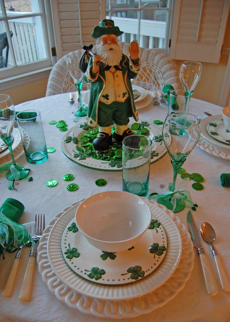 Saint Patrick's Day Tablesetting #shamrocks