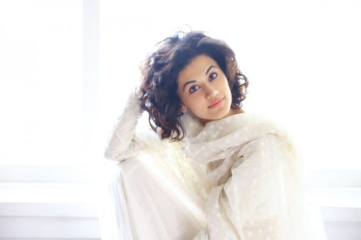 bollywoodmirchitadka: Taapsee Pannu Paid More For a Hair Care Brand