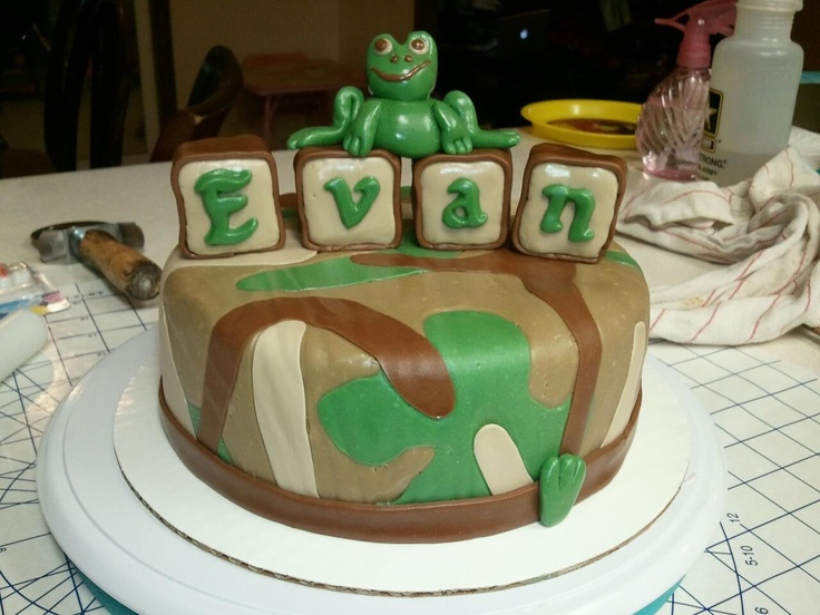 frog camo baby shower cake baby shower cakes pinterest
