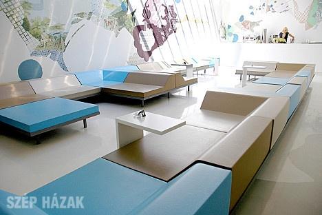 http://szephazak.hu/hotel-design/kovesd-a-rokat/83/