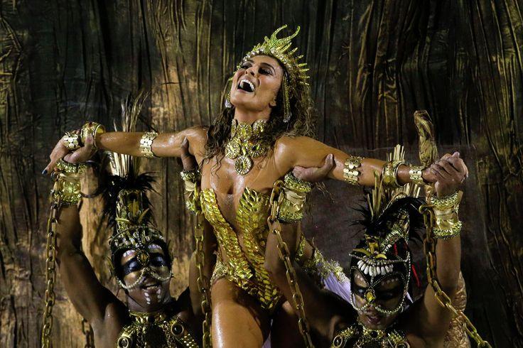 L'actrice Juliana Paes au carnaval de Rio de Janeiro, le 16 février 2015