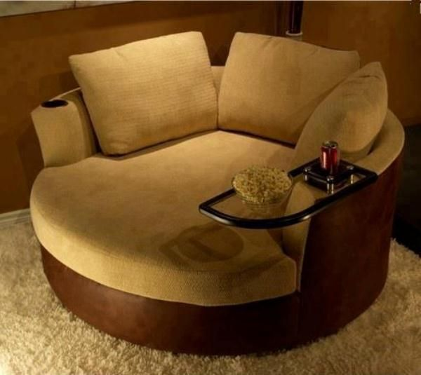 Inspiração do dia para os amantes de filmes: que tal este sofá para o Home Teather? ;)  Imagem e projeto: Stargate Cinema