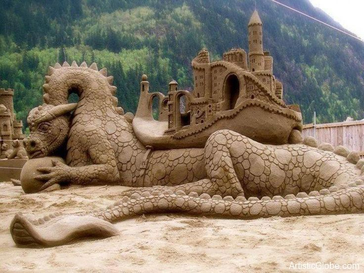 Sand art - dragon & castle