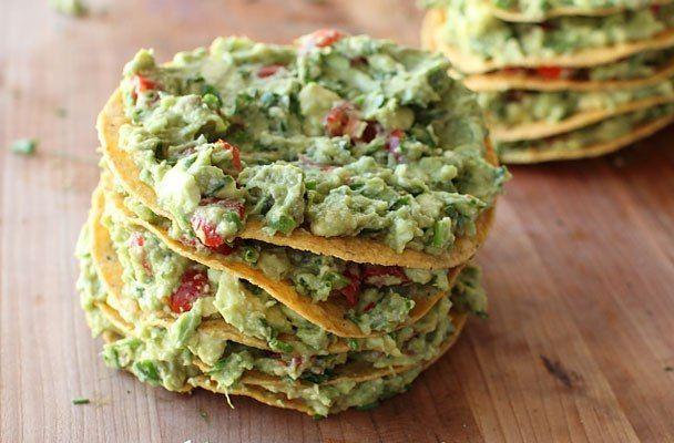 Salsa guacamole - Tipica della cucina messicana e del centro America, la salsa guacamole si prepara con l'avocado, un frutto tropicale dalla consistenza burrosa