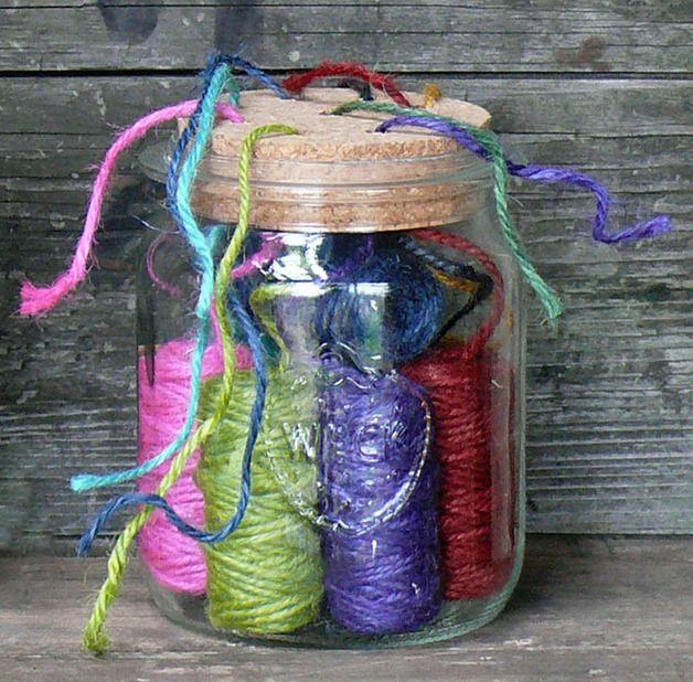 Für das Näh- und Strickzimmer: Glas für Garnrollen / upcycling: mason jar for yarn by Blickfang: Alte Zeiten via DaWanda.com