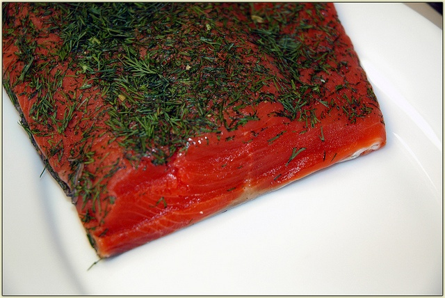Gravlax recipe (cured salmon). This is really easy and I am going to make this. @ www.homemademommy.net