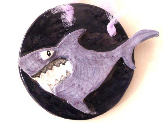 Quest estate al mare...Attenti agli squali !! Blue shark to hang on the wall. Squalo blu da appendere di LabLiu, €15.00