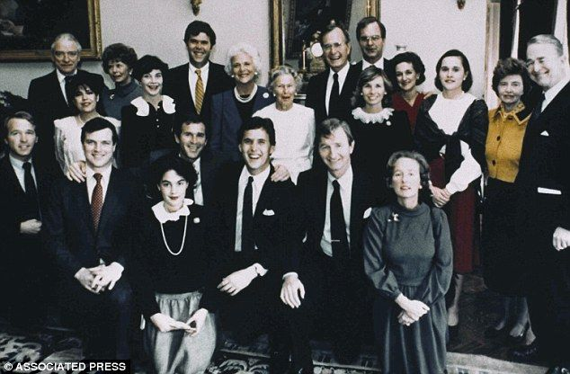 Bushes together in September 1985. From left back row: Alexander Ellis, Nancy Ellis, Jeb Bush, Barbara Bush, William Bush, Patty Bush. From left, middle row: Columba Bush, Laura Bush, Mrs. Prescott Bush Sr., Sharon Bush, Dorothy LeBlond, Beth Bush, Prescott Bush Jr. From left, front row: Neil Bush, William LeBlond, Margaret Bush, George Bush, Marvin Bush, Jonathan Bush, and Jody Bush.