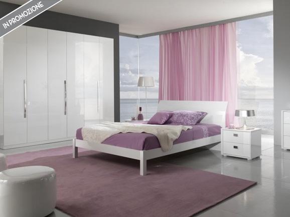 Camera moderna laccato bianco completa di: armadio 6 ante battenti, letto matrimoniale, 2 comodini, comò + specchiera