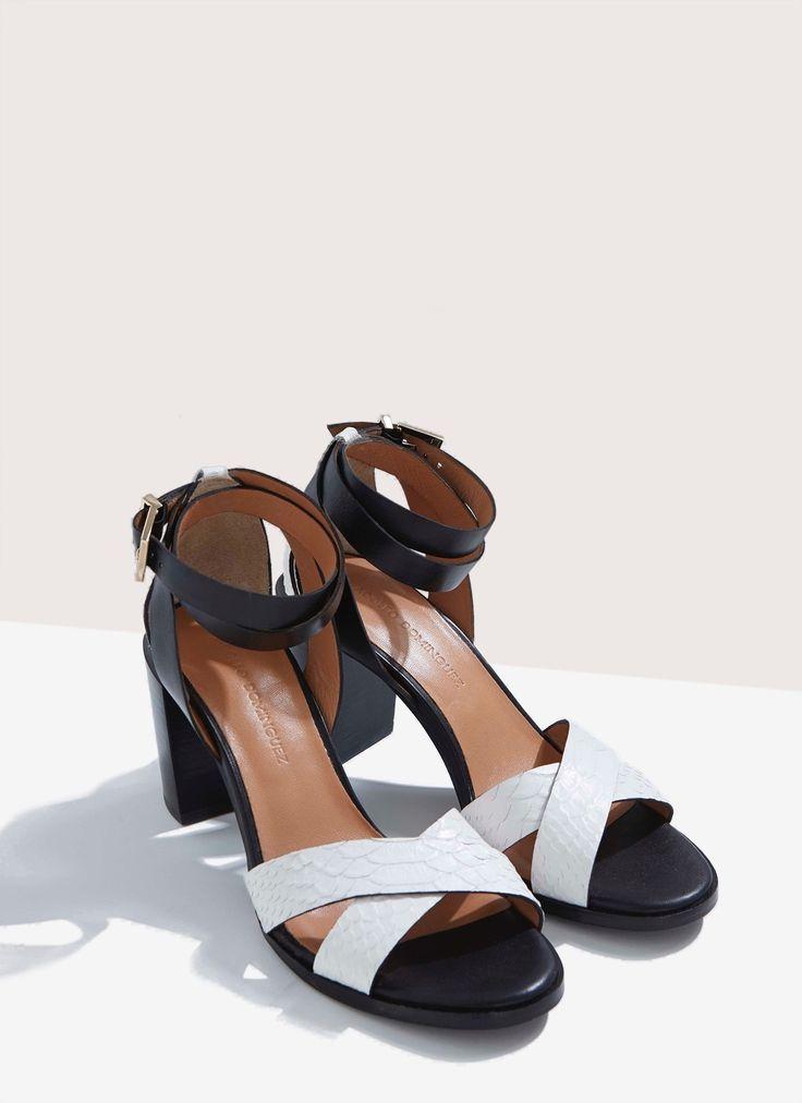 Sandalia de tacón en piel grabada - DÍA DE LA MADRE | Adolfo Dominguez shop online