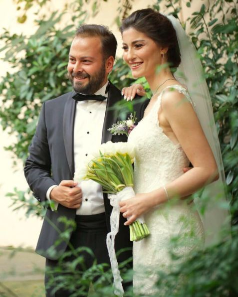 #weddiesgelinleri miz her daim güzel, zarif ve alımlı. İşte bunun en güzel örneklerinden biri de, tüm ışığıyla göz kamaştıran sevgili Bahar 🌸 Kendisine ve eşine ömür boyu mutluluklar diliyoruz. ❤️  #weddiesbrides are always elegant, gorgeous and one strong example for this, would be lovely Bahar with all her glamour🌸 Congratulations to her and beloved husband ❤️