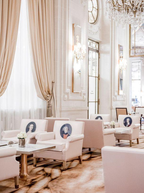 Hotel Le Meurice в Париже, дизайнер Филипп Старк. Подробнее о проекте читайте по клику на фото.